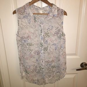 H&M sleeveless button up sheer tank